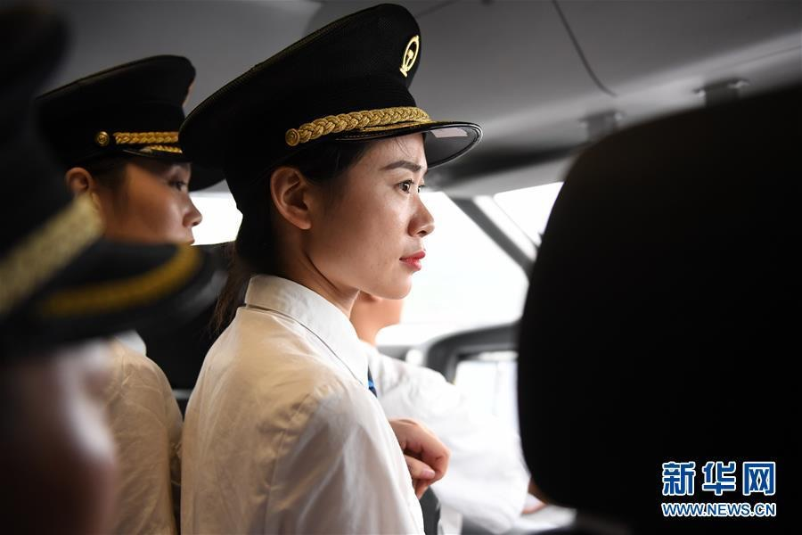 China's first female bullet train drivers to take up posts